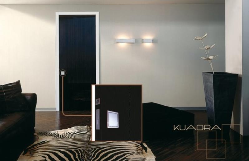 Innovadoras puertas correderas, con luz LED.