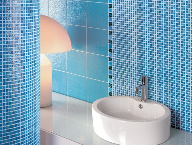 Gresite mosaico azzurro gibeller - Posa mosaico bagno ...
