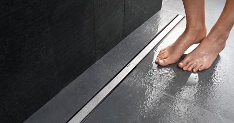 Un canal de ducha es mejor que un plato de ducha. ¿Sabes por qué?