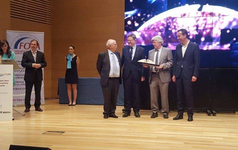 Gibeller con los premios FOPA