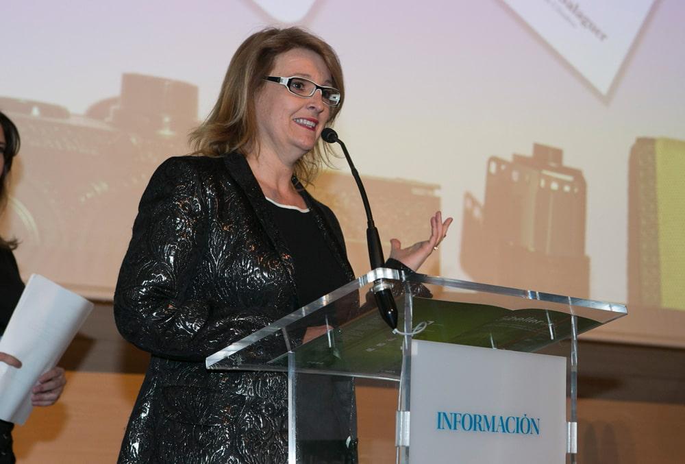 Nuestra Directora de marketing , Mayte Torregrosa, representando el Premio MIA a La Marca Familiar