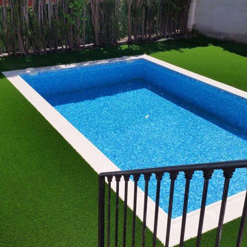 césped para piscinas