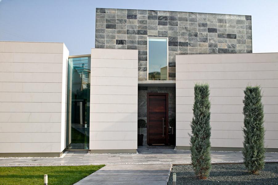 piedras naturales en fachada