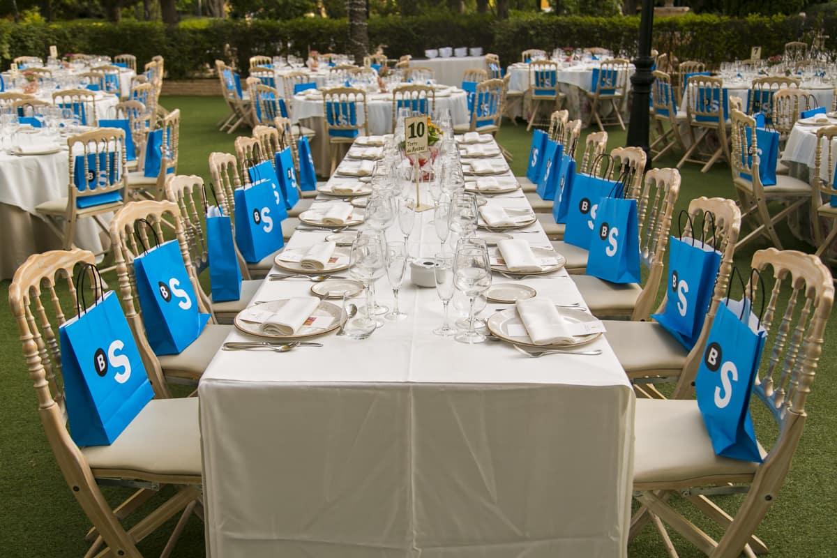 mesas en la gala anual de arquitectos