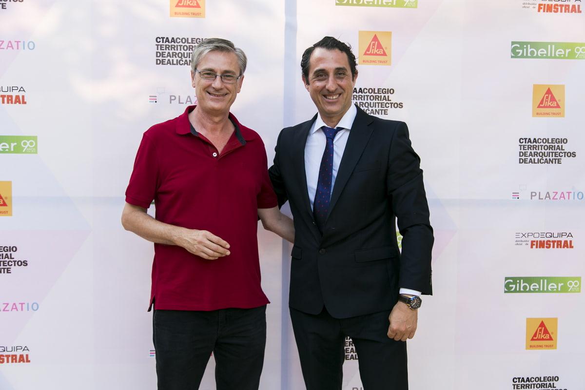 A la derecha el presidente Juan María Boix del Colegio Oficial de Arquitectos de la Comunidad Valenciana (COACV).