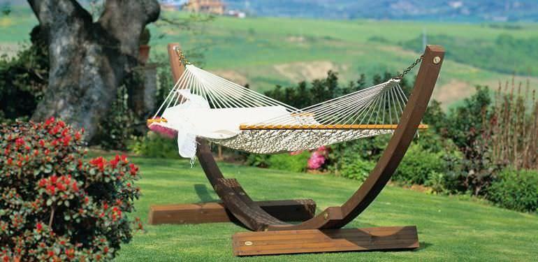 Muebles de exterior, 5 imprescindibles para tu jardín o terraza