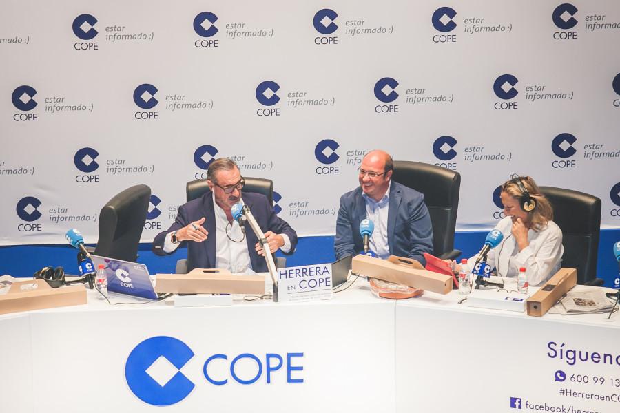 Gibeller apoya el directo de Carlos Herrera en Murcia