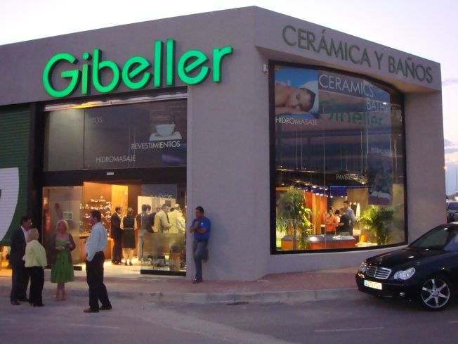 Gibeller sigue creciendo y estrena nuevas tiendas en Mazarrón y Altea