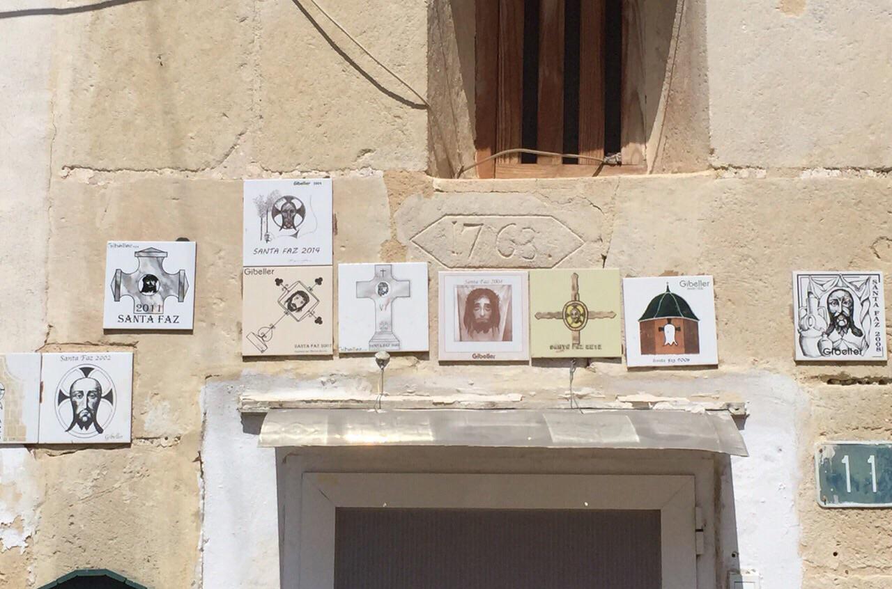 Tradición y cultura plasmados en el Azulejo de la Santa Faz 2016